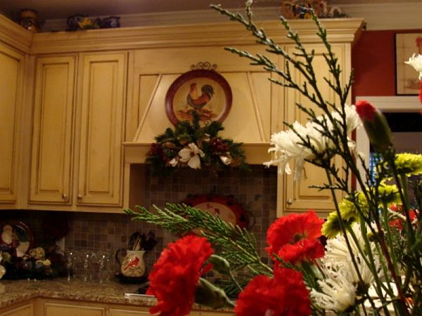 Christmas Kitchen Decoration Ideas: Curtains, Tablecloth