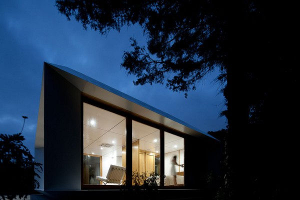 MIMA House 19 MIMA House by MIMA Architects