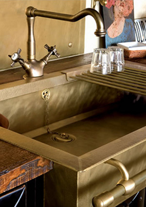 Old-styled brass sinks 1