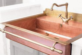 Brass Sinks that Bring about an Old World Charm