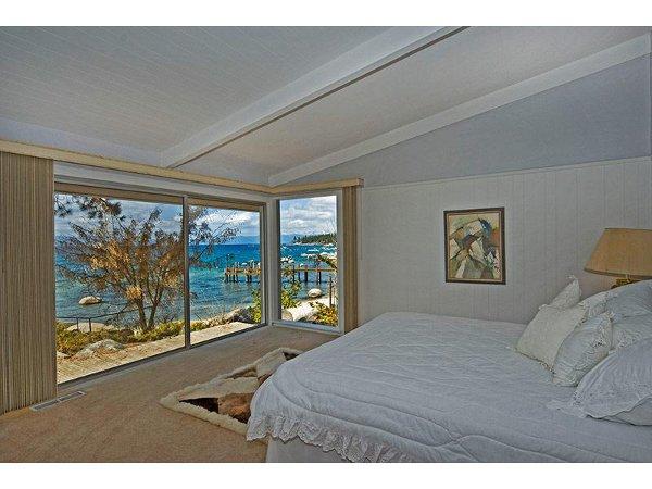 Skyland Lakefront Home Rental 9