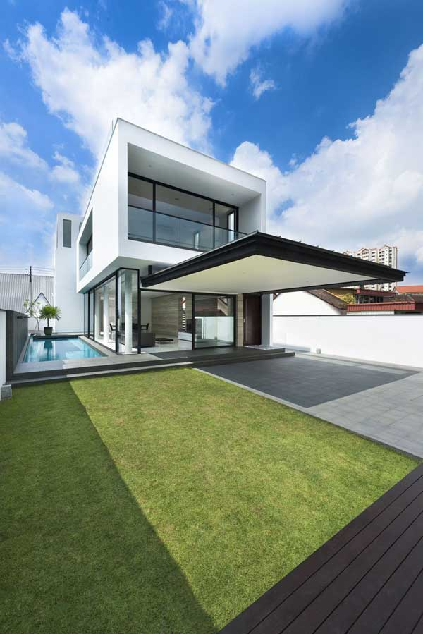 The Alnwick Road House 13 Alnwick Road House: Luxury and Comfort in a Cool Linear Floor Plan