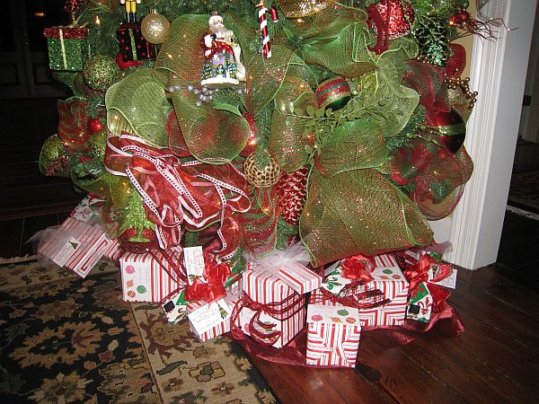 Traditional Christmas Decorations 3