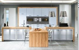 Wooden White Kitchen Idea