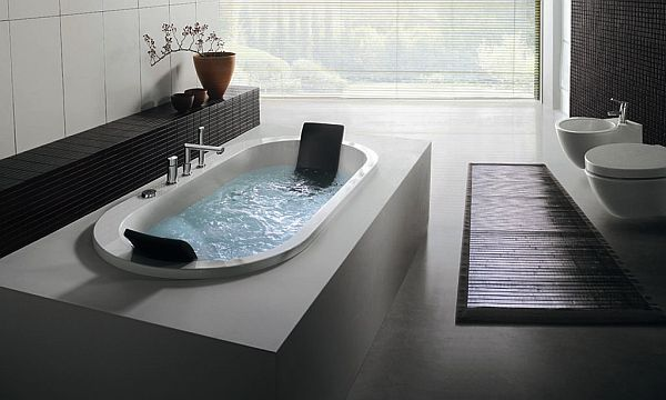 clean bathtub