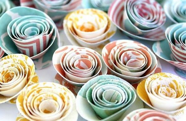 magazine rolled paper flowers