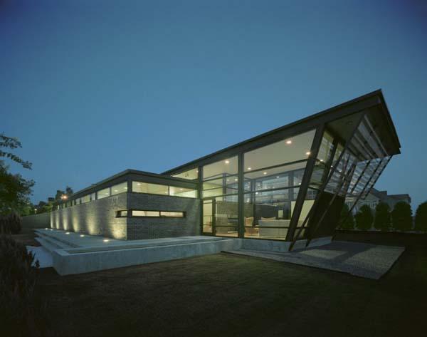 strip-garden-by-buildingstudio-architects