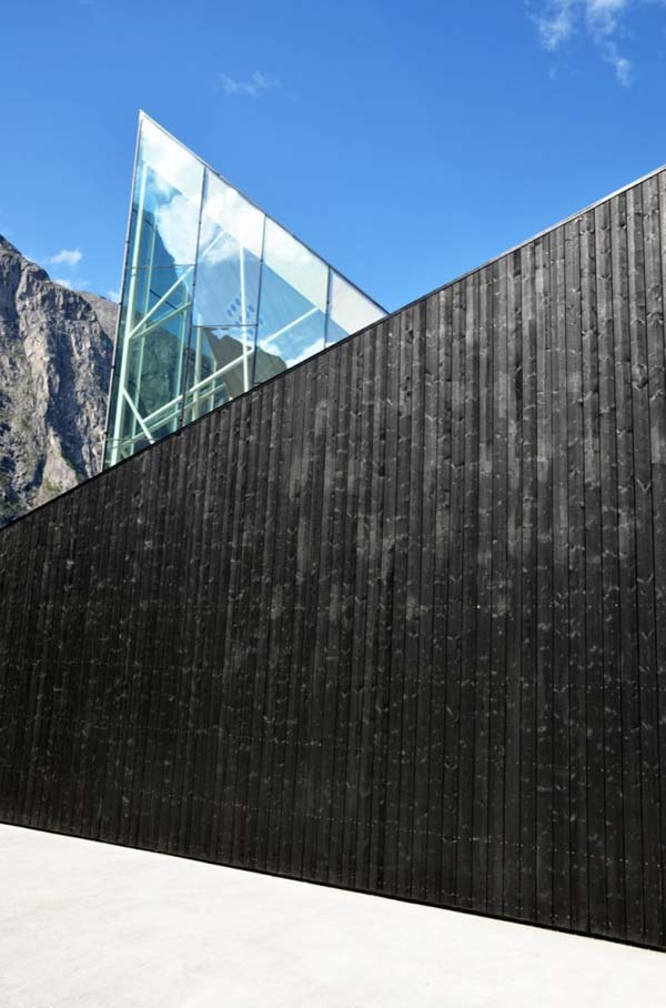 trollwall-restaurant-reiulf-ramstad-architects (6)