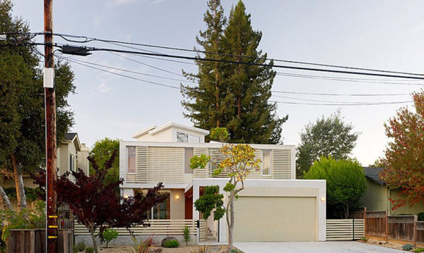 Contemporary and sustainable 2 Bar House by Feldman Architecture
