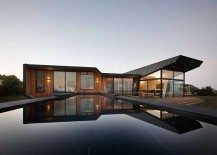 Excellent Beached House in Australia by BKK Architects