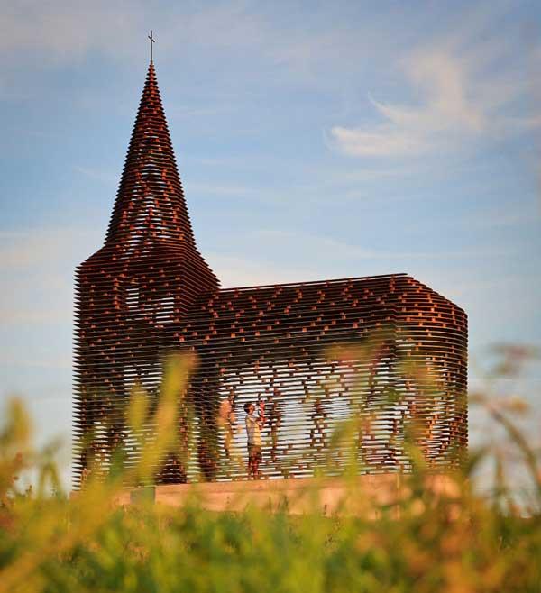 Church-by-Gijs-Van-Vaerenbergh-3