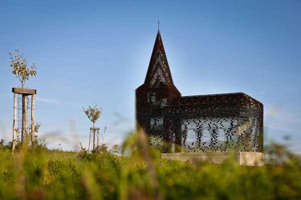 Church-by-Gijs-Van-Vaerenbergh-5