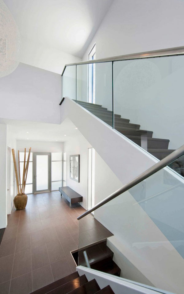 Contemporary-Fraser-Residence-in-Westboro-Village-7