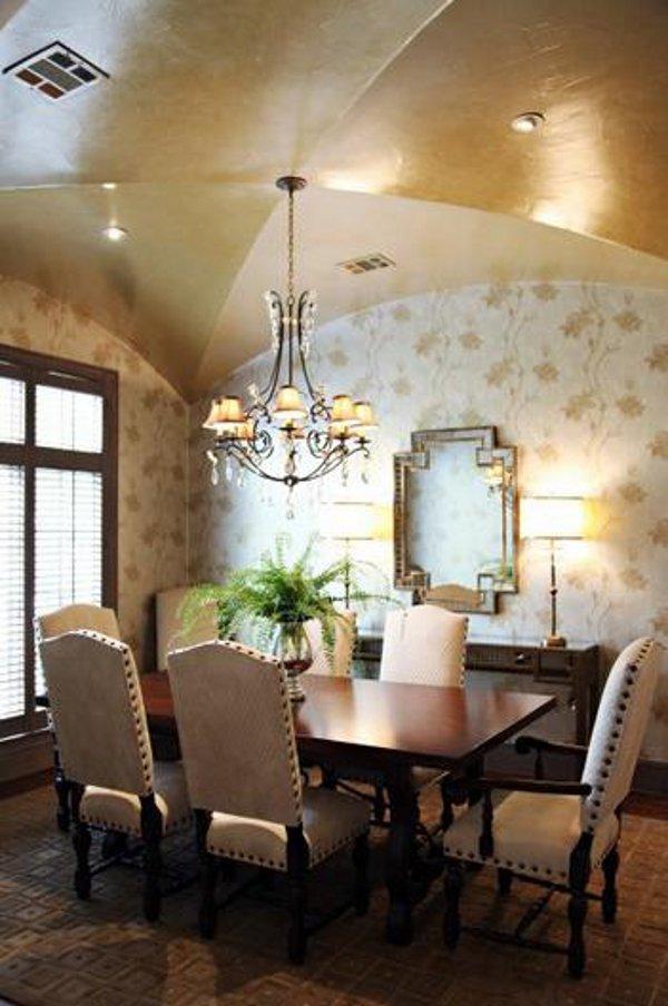 Emily Johnston Larkin's North Dallas home 12