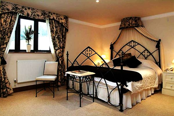 Gothic Inspired Home Decor
