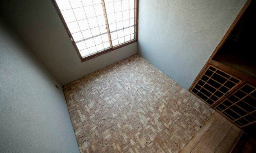 Puzzling Designed Bedroom Floor with Timber Offcut Scraps