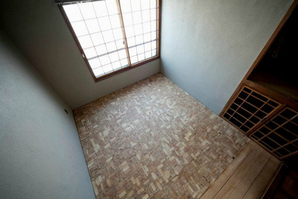 Puzzling Designed Bedroom Floor 1 Puzzling Designed Bedroom Floor with Timber Offcut Scraps