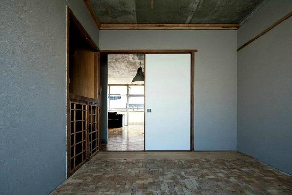 Puzzling-Designed-Bedroom-Floor-3