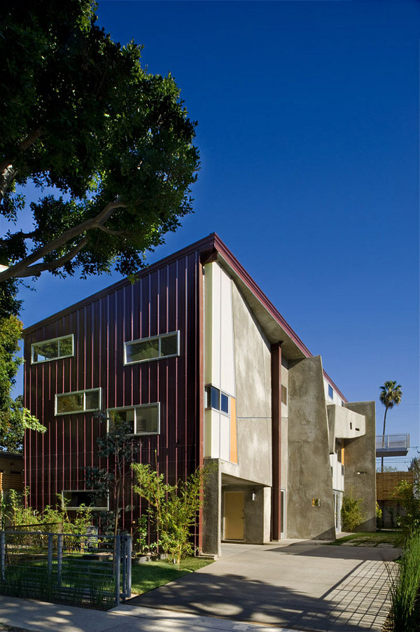 Residence for a Briard 1 Hybrid House in Culver City Boasts Green Methods