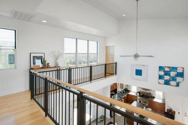 Retro Modern Mansion in East Austin 3