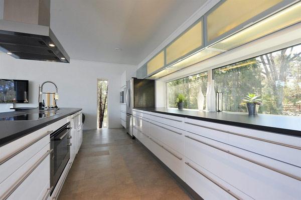 Cucine Ad Angolo Con Finestra. Amazing Cucina Grande With Cucine Ad ...