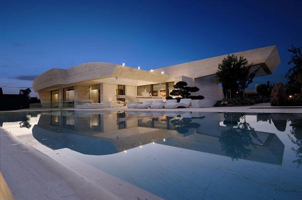 Sensational sculptural residence in La Finca 2