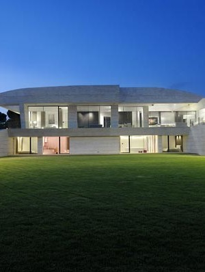 Sensational sculptural residence in La Finca 4