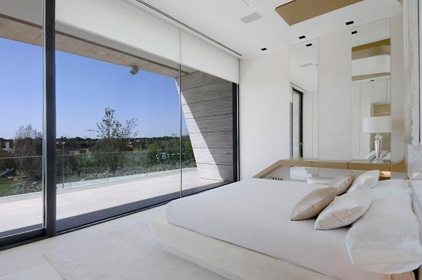 Sensational sculptural residence in La Finca 7