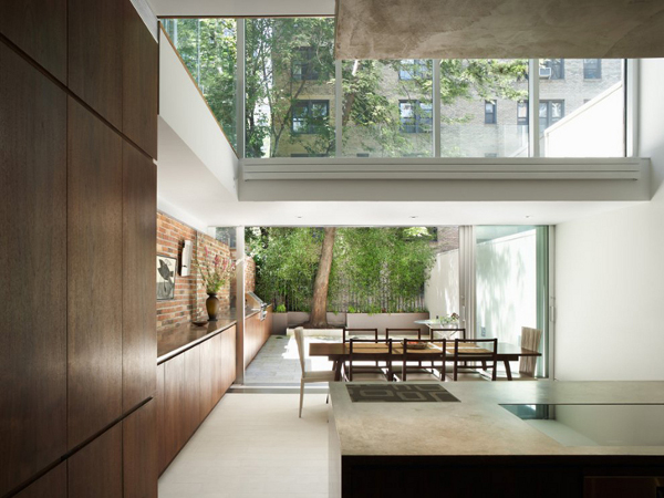 Urban Town House by Peter Gluck 2
