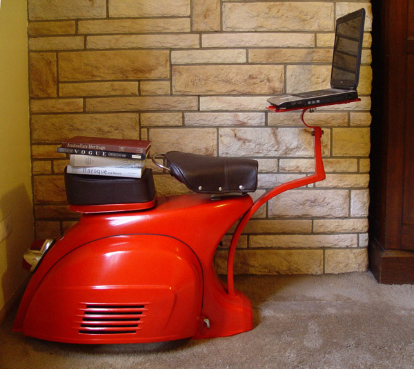 Vespa Sprint Workstation 1
