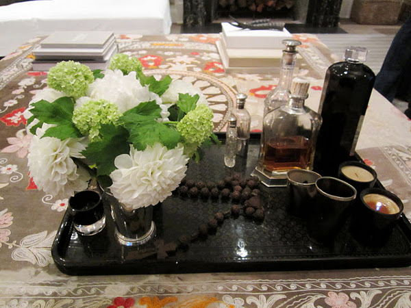 WAYS TO MAKE THE PERFECT COFFEE TABLE VIGNETTE 2 Design the Perfect Coffee Table Vignette
