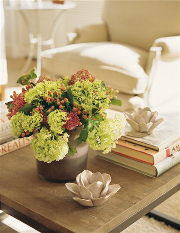 WAYS TO MAKE THE PERFECT COFFEE TABLE VIGNETTE 3
