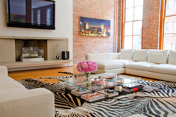 WAYS TO MAKE THE PERFECT COFFEE TABLE VIGNETTE 5
