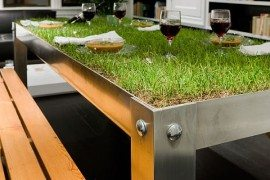 "picNYC Real Grass Table Brings ""Rural"" to the Urban Residence"