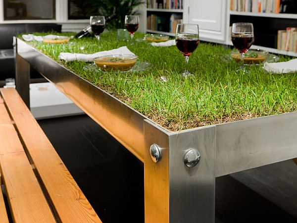 picNYC Real Grass Table 1 picNYC Real Grass Table Brings Rural to the Urban Residence