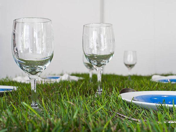 picNYC Real Grass Table 5