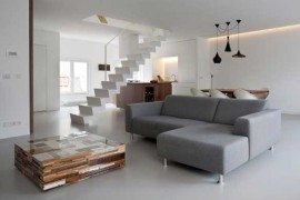 Two-level Apartment Singel overlooking Amsterdam's canals