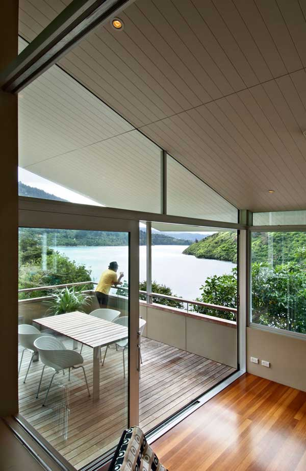 Apple-Bay-House-by-Parsonson-Architects-12