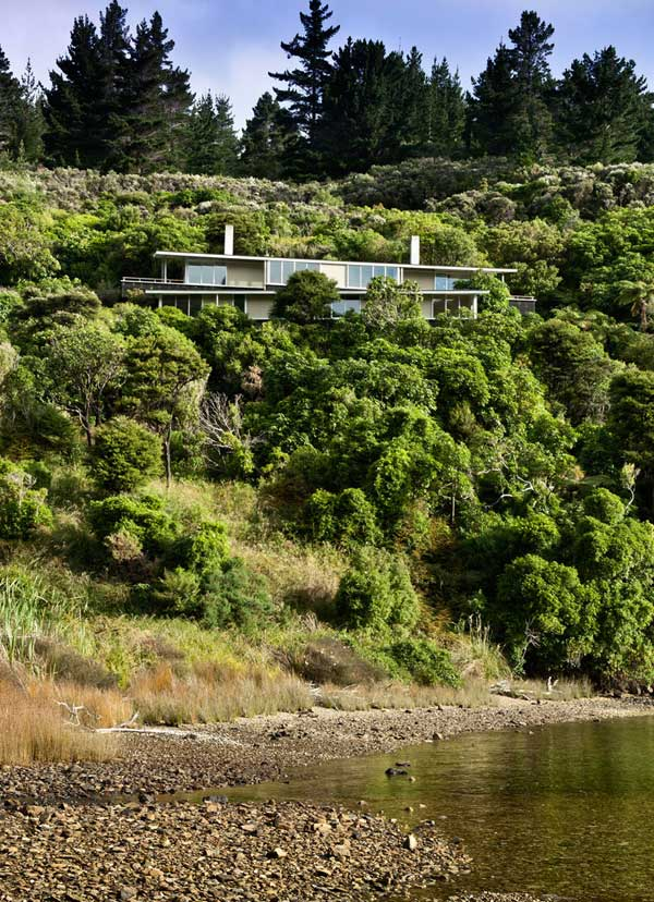 Apple Bay House by Parsonson Architects 2 Fabulous Isolated Family Vacation Home in New Zealand