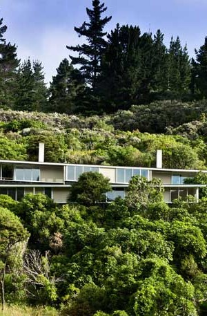 Apple-Bay-House-by-Parsonson-Architects