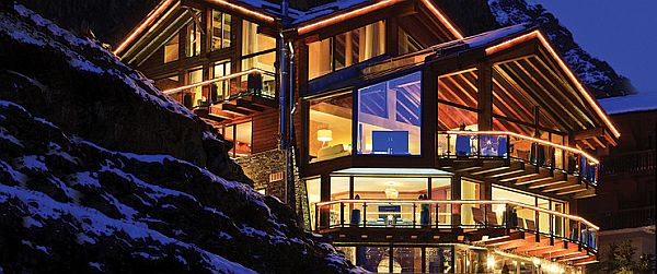 Chalet Zermatt Peak in the Swiss Alps 1 Chalet Zermatt Peak in the Swiss Alps, Probably the Most Luxurious Ski Vacation Ever