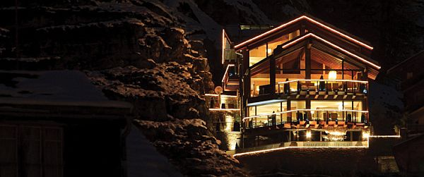 Chalet Zermatt Peak in the Swiss Alps 28