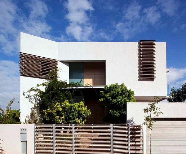 DG House by DOMB Architects 1 Simplicity Joins Hands with Modernity at DG House