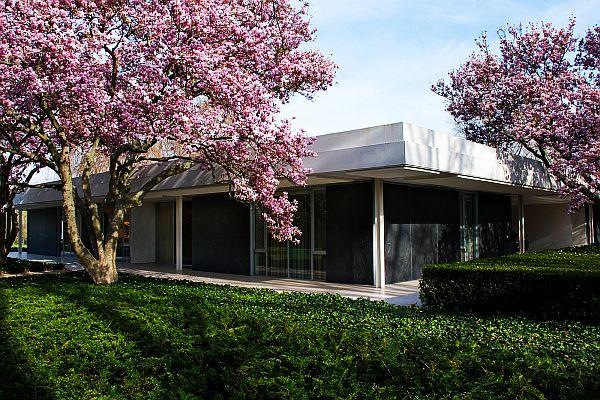 Eero Saarinen Miller Residence 2 Miller House: Classic Mid Century Modern Home for J Irwin Miller