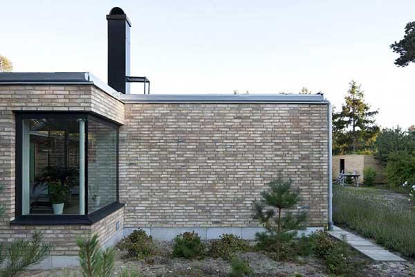 Rural meets modern in a minimalist dream home