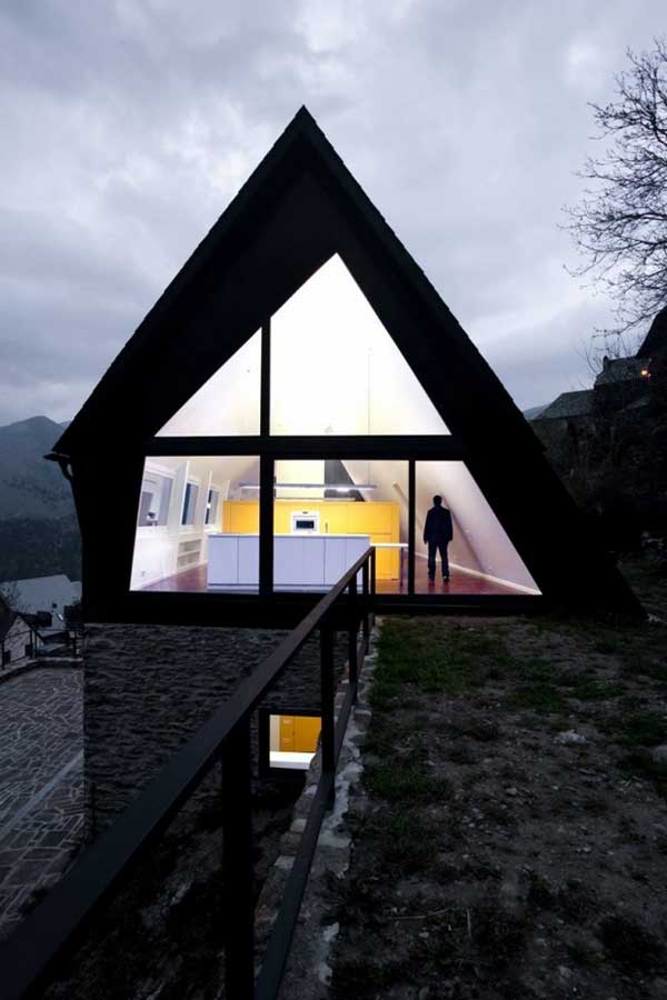 House-in-The-Pyrenees (3)