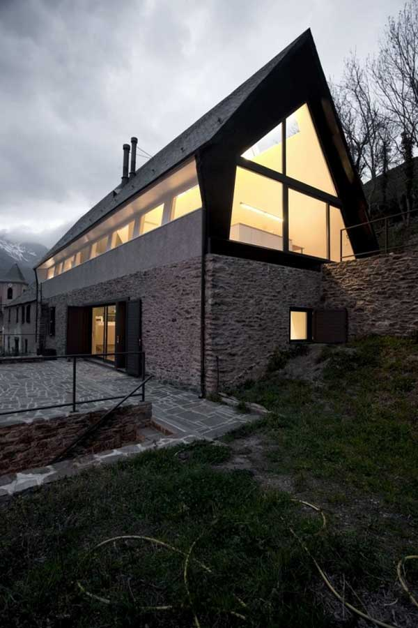 House-in-The-Pyrenees (4)
