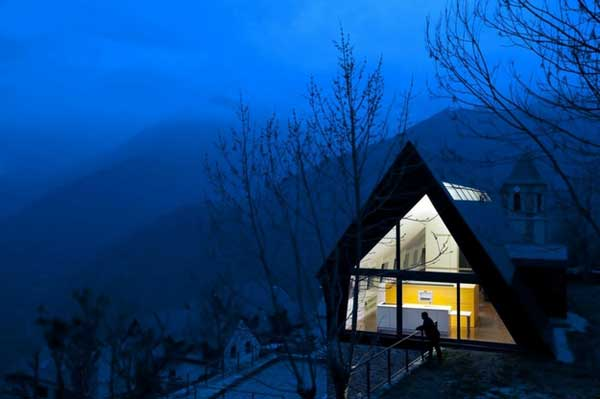 House-in-The-Pyrenees (5)