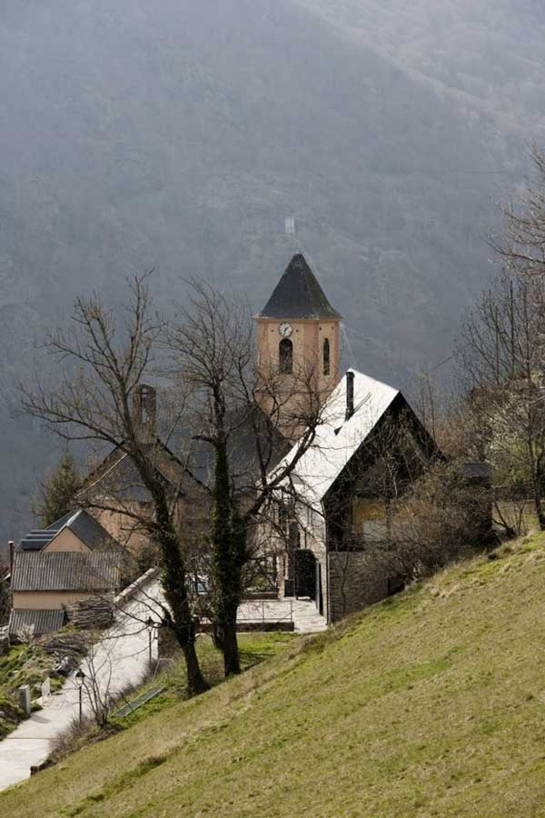 House-in-The-Pyrenees (7)