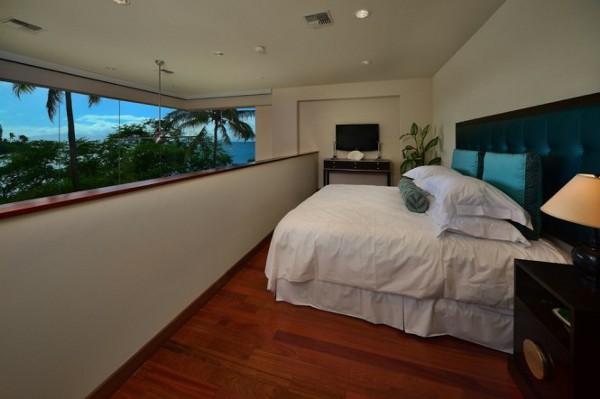 Jewel-of-Kahana-Beach-House-10